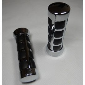 "Custom Handle Bar Grips Cushion Cube Chrome Finish Suitable For 25mm & 1"" Handlebars"
